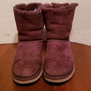 women s red uggs with bows on poshmark rh poshmark com